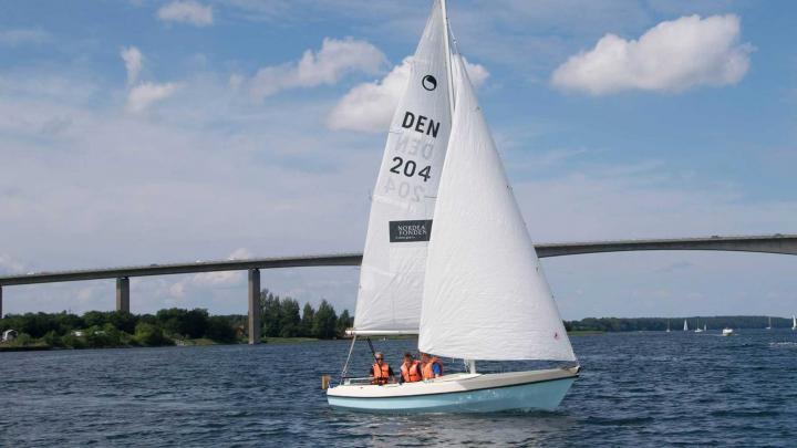 Det sejler for spejderne i nye joller | Det Danske Spejderkorps